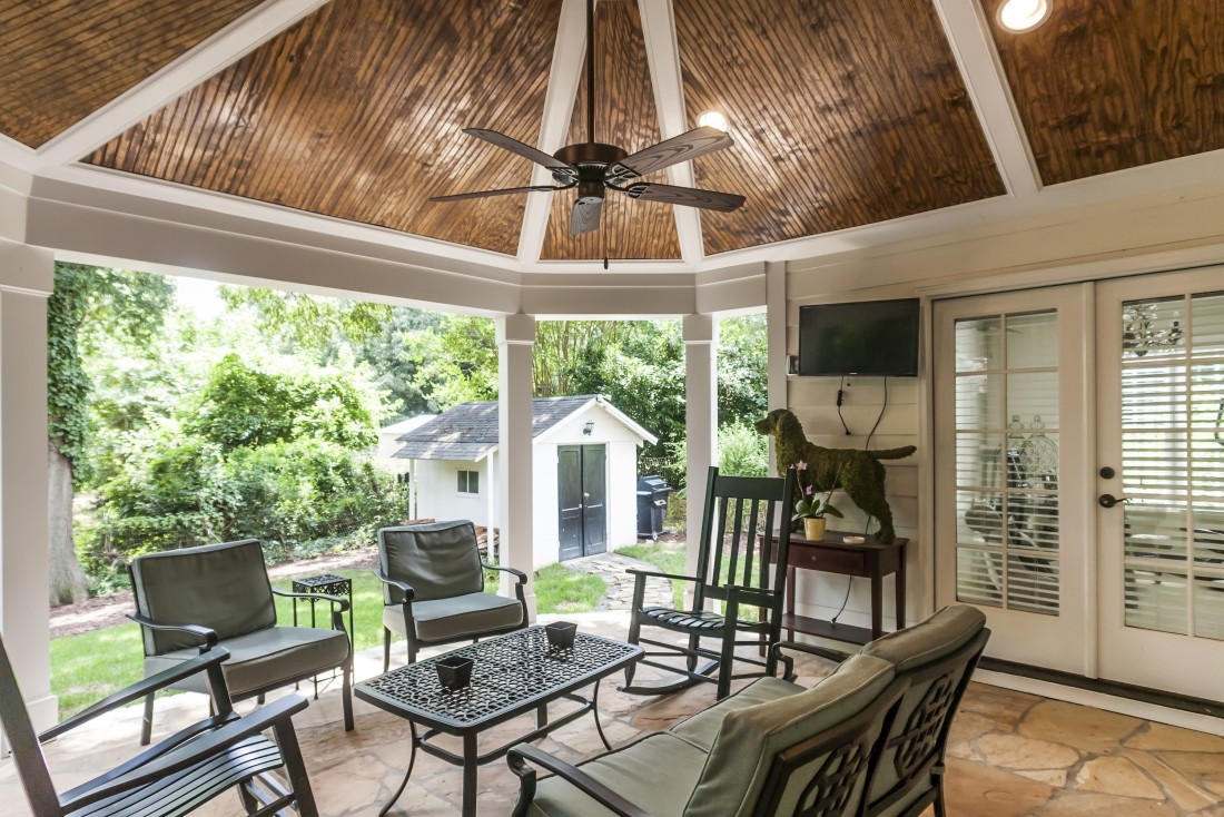 worthington | outdoor patio, living space